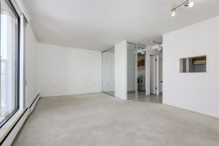 """Photo 4: 1403 1330 HARWOOD Street in Vancouver: West End VW Condo for sale in """"Westsea Tower"""" (Vancouver West)  : MLS®# R2345763"""
