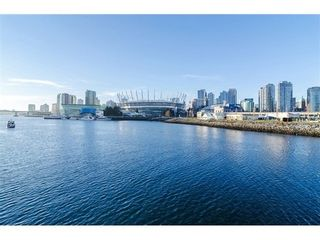 Photo 2: 706 1128 QUEBEC Street in Vancouver East: Home for sale : MLS®# V1044266