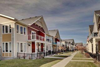 Photo 2: 124 AUBURN MEADOWS Walk SE in Calgary: Auburn Bay Row/Townhouse for sale : MLS®# C4273742