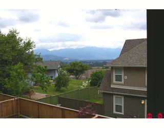 """Photo 3: 17 5623 TESKEY Way in Sardis: Promontory Townhouse for sale in """"WISTERIA HEIGHTS"""" : MLS®# H2902507"""