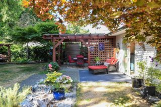 Photo 2: 2871 Penrith Ave in : CV Cumberland House for sale (Comox Valley)  : MLS®# 883133
