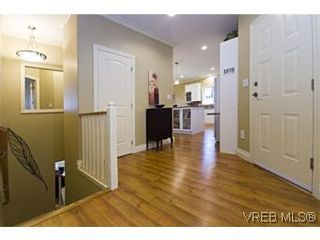 Photo 5: 2105 Bishops Gate in VICTORIA: La Bear Mountain House for sale (Langford)  : MLS®# 487689