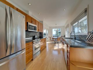 Photo 7: 304 GEORGIA Drive in Gibsons: Gibsons & Area House for sale (Sunshine Coast)  : MLS®# R2622245