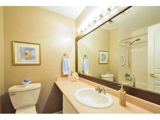 """Photo 14: 405 1745 MARTIN Drive in Surrey: Sunnyside Park Surrey Condo for sale in """"SOUTHWYND"""" (South Surrey White Rock)  : MLS®# F1436564"""