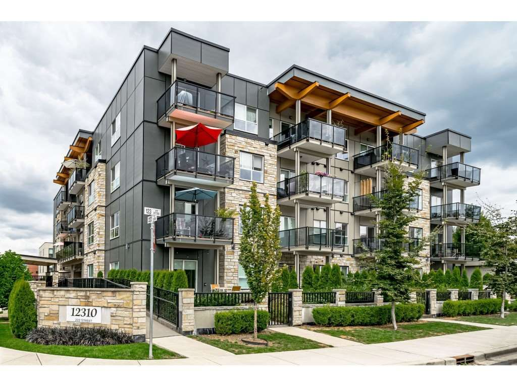 """Main Photo: 105 12310 222 Street in Maple Ridge: West Central Condo for sale in """"THE 222"""" : MLS®# R2493193"""