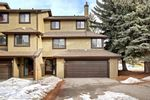 Main Photo: 14 Glamis Gardens SW in Calgary: Glamorgan Row/Townhouse for sale : MLS®# A1076786