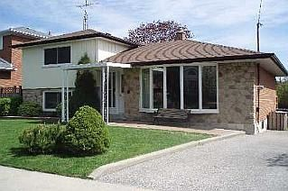 Photo 1: 55 FORDOVER DR in TORONTO: Freehold for sale