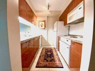 """Photo 3: 405 1200 ALBERNI Street in Vancouver: West End VW Condo for sale in """"Palisades"""" (Vancouver West)  : MLS®# R2583731"""