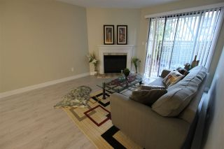 """Photo 4: 14821 HOLLY PARK Lane in Surrey: Guildford Townhouse for sale in """"HOLLY PARK LANE"""" (North Surrey)  : MLS®# R2226961"""