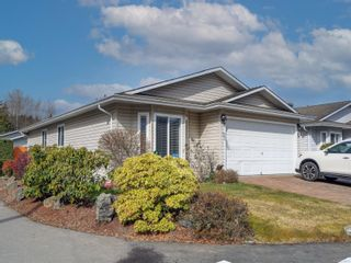 Photo 1: 2 7570 Tetayut Rd in : CS Hawthorne Manufactured Home for sale (Central Saanich)  : MLS®# 870811
