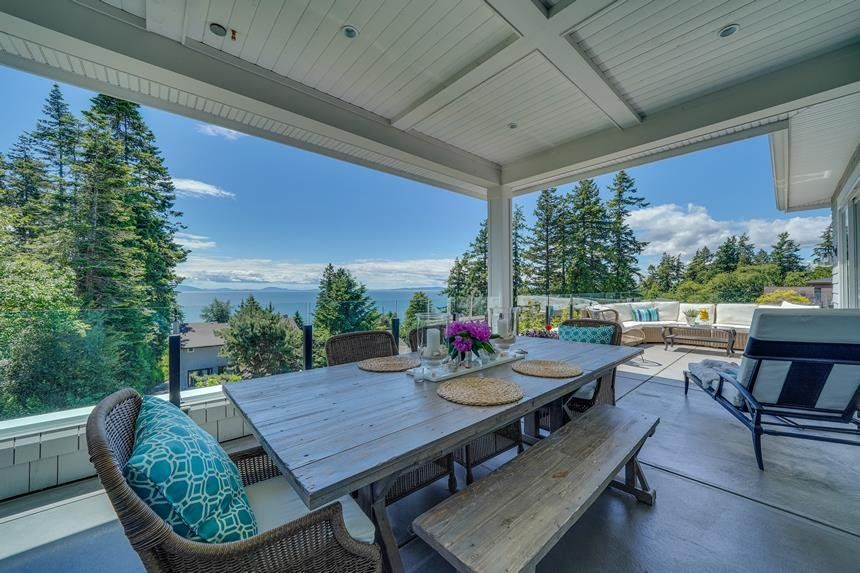 Main Photo: 13398 MARINE DRIVE in Surrey: Crescent Bch Ocean Pk. House for sale (South Surrey White Rock)  : MLS®# R2587345