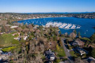 Photo 38: 3300 Exeter Rd in : OB Uplands House for sale (Oak Bay)  : MLS®# 862866