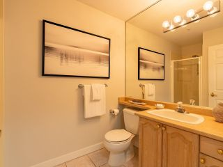 """Photo 25: 305 1150 LYNN VALLEY Road in North Vancouver: Lynn Valley Condo for sale in """"The Laurels"""" : MLS®# R2496029"""