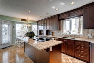 Photo 11: 60 Shawfield Way SW in Calgary: Shawnessy Detached for sale : MLS®# A1113595
