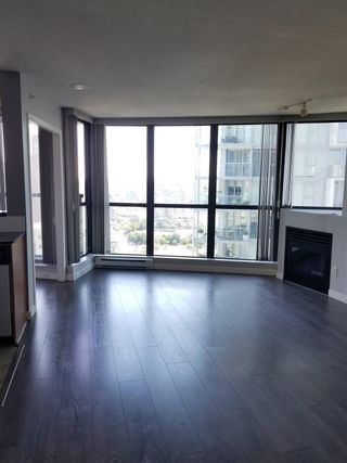 """Photo 2: 2201 501 PACIFIC Street in Vancouver: Downtown VW Condo for sale in """"THE 501"""" (Vancouver West)  : MLS®# R2605380"""