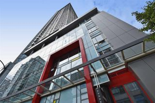 """Photo 2: 1003 833 SEYMOUR Street in Vancouver: Downtown VW Condo for sale in """"CAPITOL RESIDENCES"""" (Vancouver West)  : MLS®# R2098588"""