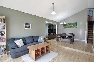 Photo 4: 132 Ventura Way NE in Calgary: Vista Heights Detached for sale : MLS®# A1081083