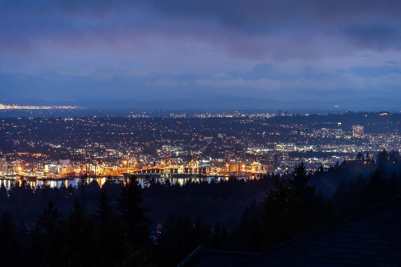 FEATURED LISTING: 989 DEMPSEY Road North Vancouver