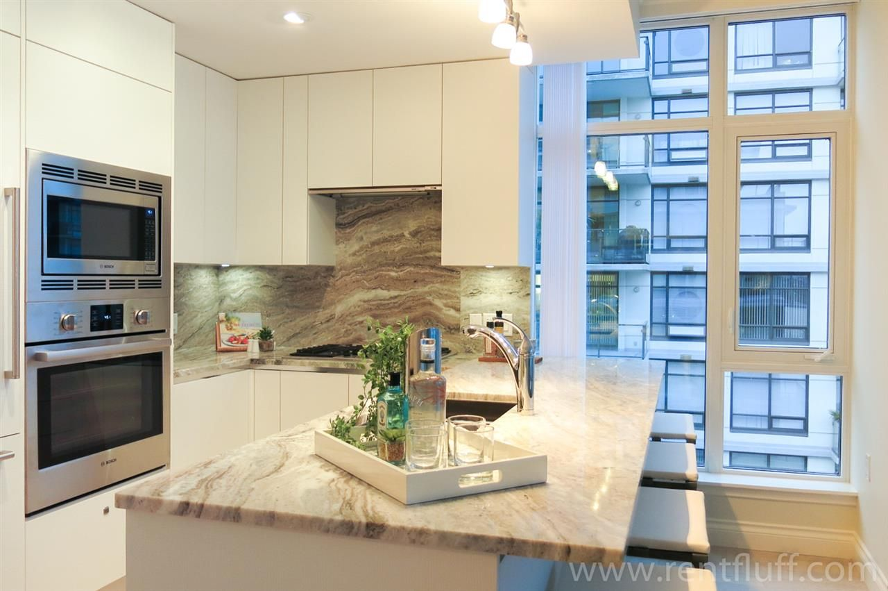 """Main Photo: 812 175 VICTORY SHIP Way in North Vancouver: Lower Lonsdale Condo for sale in """"Cascade At The Pier"""" : MLS®# R2402237"""