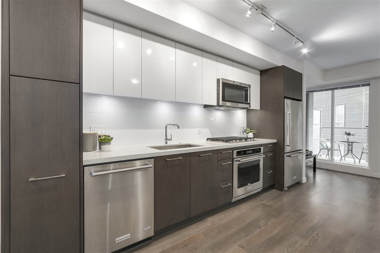 """Photo 12: Photos: 521 384 E 1ST Avenue in Vancouver: Mount Pleasant VE Condo for sale in """"CANVAS"""" (Vancouver East)  : MLS®# R2230543"""