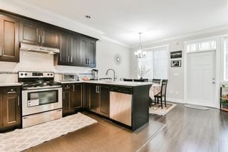 """Photo 7: 127 15399 GUILDFORD Drive in Surrey: Guildford Townhouse for sale in """"GUILDFORD GREEN"""" (North Surrey)  : MLS®# R2237547"""