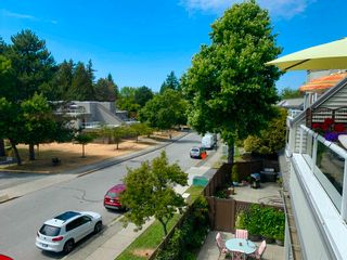"""Photo 24: 312 1840 E SOUTHMERE Crescent in Surrey: Sunnyside Park Surrey Condo for sale in """"Southmere Mews West"""" (South Surrey White Rock)  : MLS®# R2602062"""