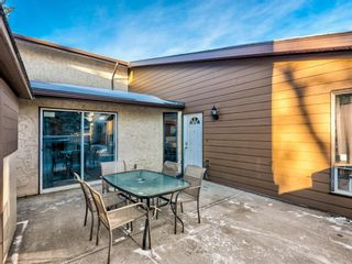 Photo 5: 115 5404 10 Avenue SE in Calgary: Penbrooke Meadows Row/Townhouse for sale : MLS®# A1112047