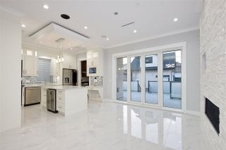 Photo 12: 5515 ARGYLE Street in Vancouver: Knight House for sale (Vancouver East)  : MLS®# R2353399