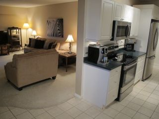 """Photo 4: 302 7180 LINDEN Avenue in Burnaby: Highgate Condo for sale in """"LINDEN HOUSE"""" (Burnaby South)  : MLS®# R2177989"""