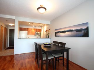 """Photo 9: 404 1510 W 1ST Avenue in Vancouver: False Creek Condo for sale in """"MARINERS POINT"""" (Vancouver West)  : MLS®# V919317"""