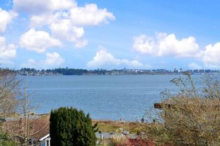 Photo 1: 86 Milburn Dr in : Co Lagoon House for sale (Colwood)  : MLS®# 870314