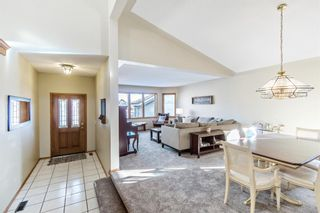 Photo 12: 113 Woodridge Close SW in Calgary: Woodbine Detached for sale : MLS®# A1060325