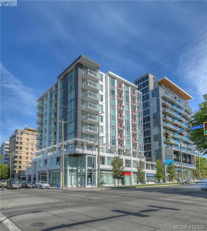 Main Photo: 204 1090 Johnson St in VICTORIA: Vi Downtown Condo for sale (Victoria)  : MLS®# 817629