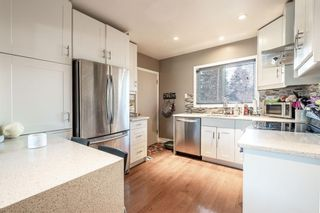 Photo 5: 2510 17 Street NW in Calgary: Capitol Hill Detached for sale : MLS®# A1074729