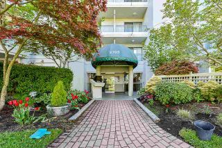 """Photo 4: 203 1705 MARTIN Drive in Surrey: Sunnyside Park Surrey Condo for sale in """"Southwynd"""" (South Surrey White Rock)  : MLS®# R2576884"""