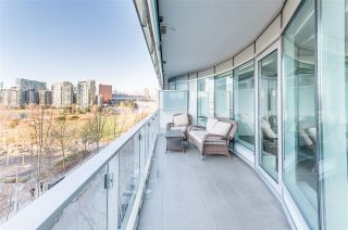 """Photo 7: 506 181 W 1ST Avenue in Vancouver: False Creek Condo for sale in """"Brook - The Village on False Creek"""" (Vancouver West)  : MLS®# R2528507"""