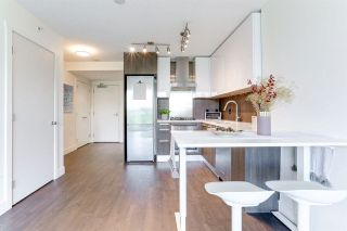 """Photo 3: 903 3007 GLEN Drive in Coquitlam: North Coquitlam Condo for sale in """"Evergreen"""" : MLS®# R2591483"""