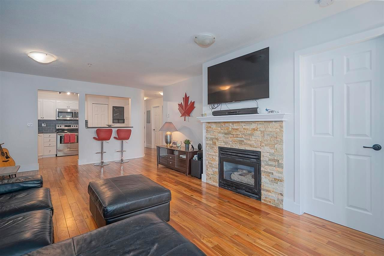 """Photo 7: Photos: 321 301 MAUDE Road in Port Moody: North Shore Pt Moody Condo for sale in """"Heritage Grand"""" : MLS®# R2567114"""