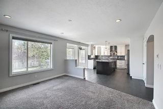 Photo 14: 29 West Cedar Point SW in Calgary: West Springs Detached for sale : MLS®# A1131789