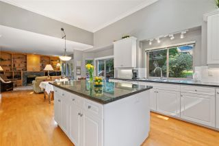 Photo 11: 2318 CHANTRELL PARK Drive in Surrey: Elgin Chantrell House for sale (South Surrey White Rock)  : MLS®# R2558616