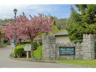 Photo 2: 311 1485 Garnet Rd in VICTORIA: SE Cedar Hill Condo for sale (Saanich East)  : MLS®# 727717