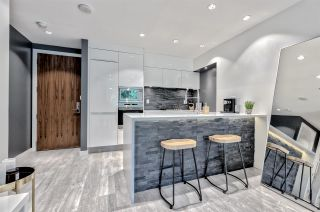 """Photo 6: 203 181 W 1ST Avenue in Vancouver: False Creek Condo for sale in """"BROOK - VILLAGE ON FALSE CREEK"""" (Vancouver West)  : MLS®# R2504203"""