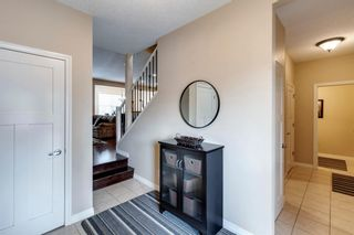 Photo 3: 208 Sunset View: Cochrane Detached for sale : MLS®# A1136470