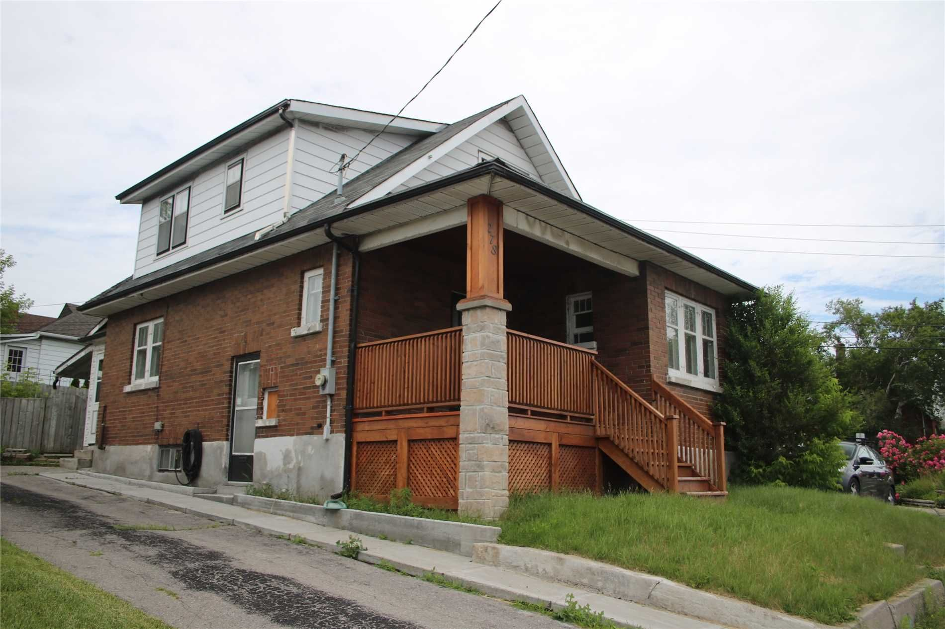 Main Photo: 278 W Bloor Street in Oshawa: Lakeview House (1 1/2 Storey) for sale : MLS®# E4506412