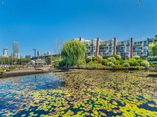 """Photo 47: 307 1502 ISLAND PARK Walk in Vancouver: False Creek Condo for sale in """"The Lagoons"""" (Vancouver West)  : MLS®# R2606940"""