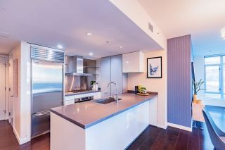 """Photo 13: 1017 788 RICHARDS Street in Vancouver: Downtown VW Condo for sale in """"L'HERMITAGE"""" (Vancouver West)  : MLS®# R2388898"""
