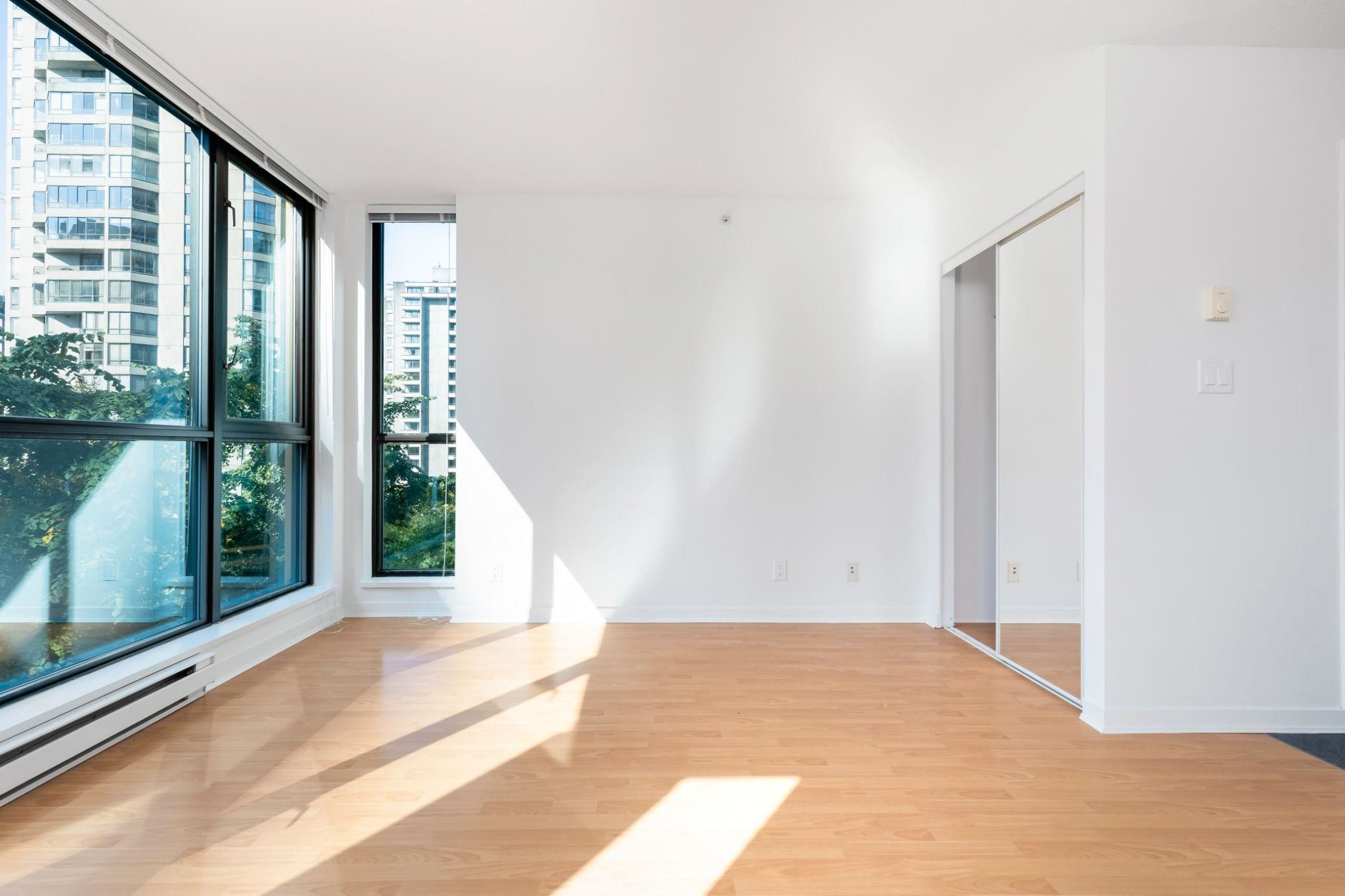 """Main Photo: 509 1331 ALBERNI Street in Vancouver: West End VW Condo for sale in """"THE LIONS"""" (Vancouver West)  : MLS®# R2625060"""