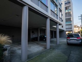 "Photo 11: 304 1975 PENDRELL Street in Vancouver: West End VW Condo for sale in ""PARKWOOD MANOR"" (Vancouver West)  : MLS®# R2535817"