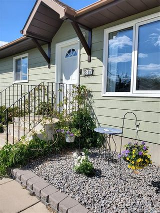 Photo 2: 317 7th Avenue West in Unity: Residential for sale : MLS®# SK856897