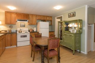 """Photo 8: 228 1830 MAMQUAM Road in Squamish: Northyards Manufactured Home for sale in """"TIMBERTOWN"""" : MLS®# R2236311"""